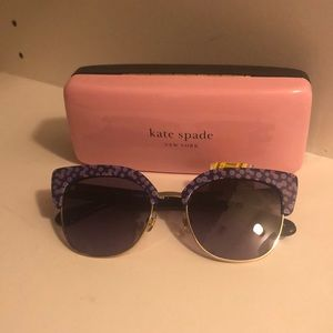 Kate spade cute sunglasses with flowers printed
